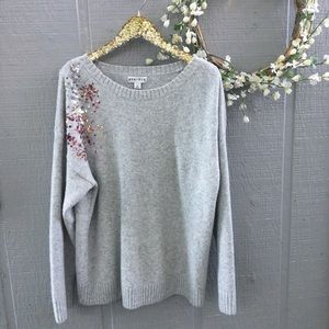AVA & VIV gray sequin shoulder sweater. Size 1X.